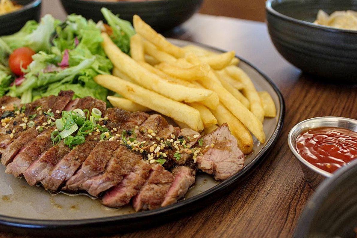 daizu cafe steak frites