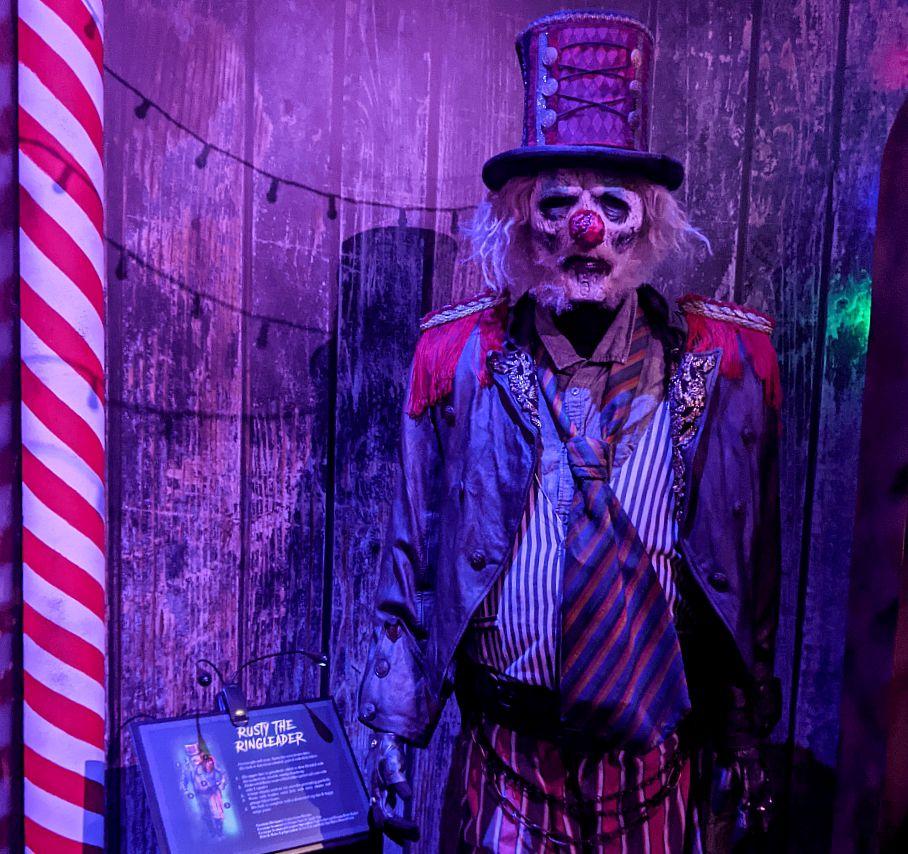 halloween horror night exhibition universal studios singapore